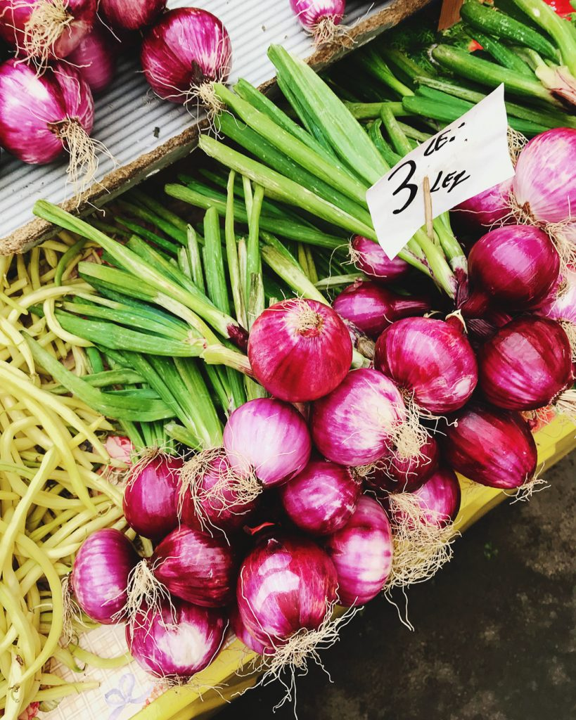 Red onion at the farmer's market