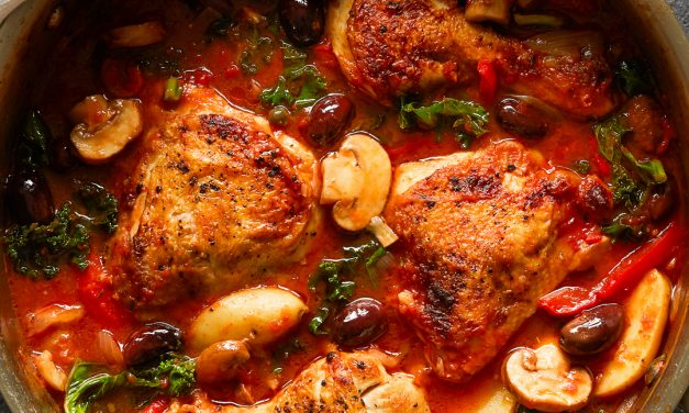 Whole30 Chicken Cacciatore with Kale and Potatoes