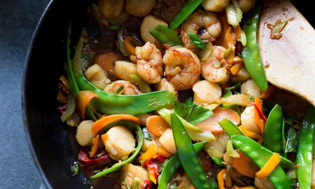 Whole30 Shrimp and Scallop Stir Fry – Paleo