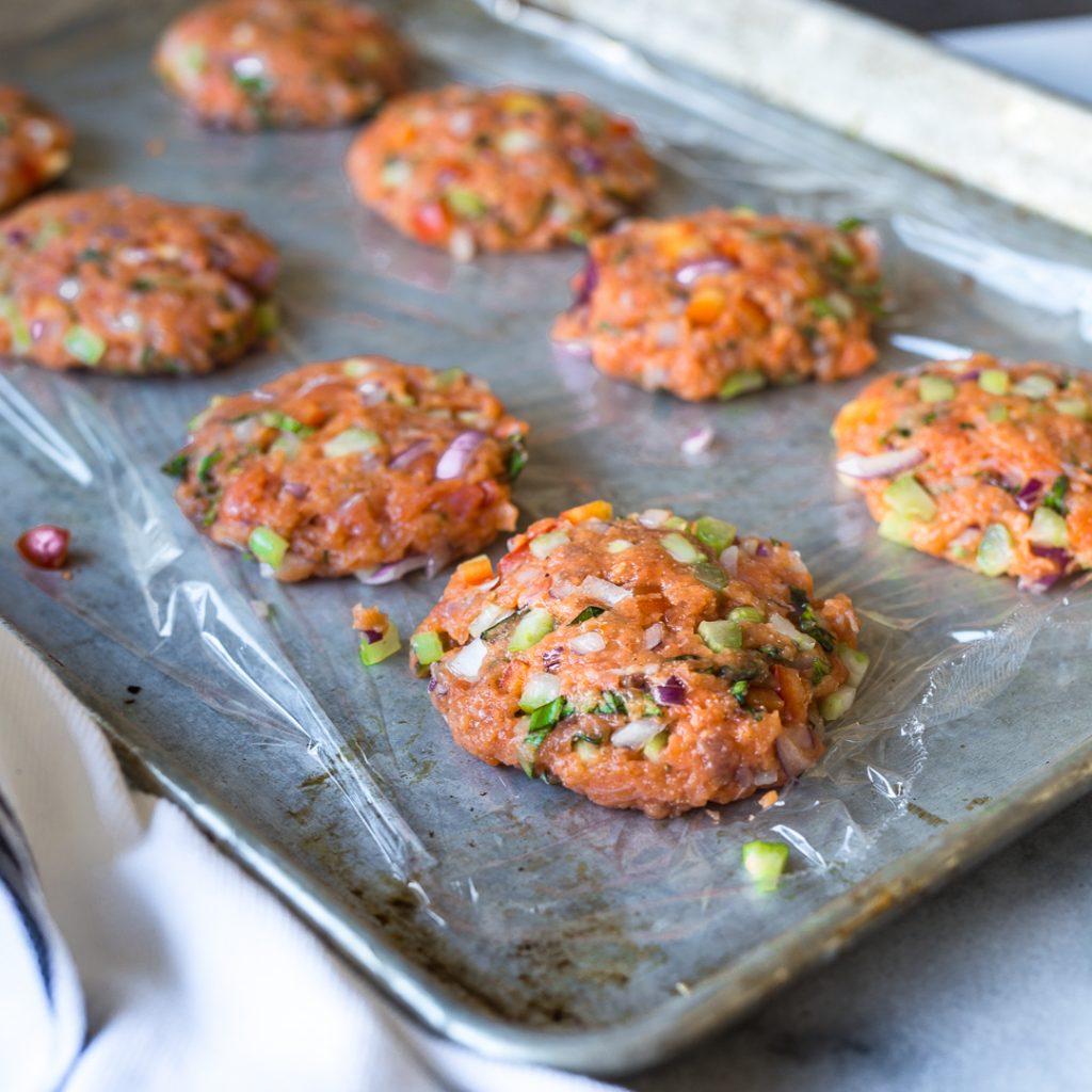 Salmon Cakes: Salmon Cakes With Tarragon Aioli - Whole30/Paleo