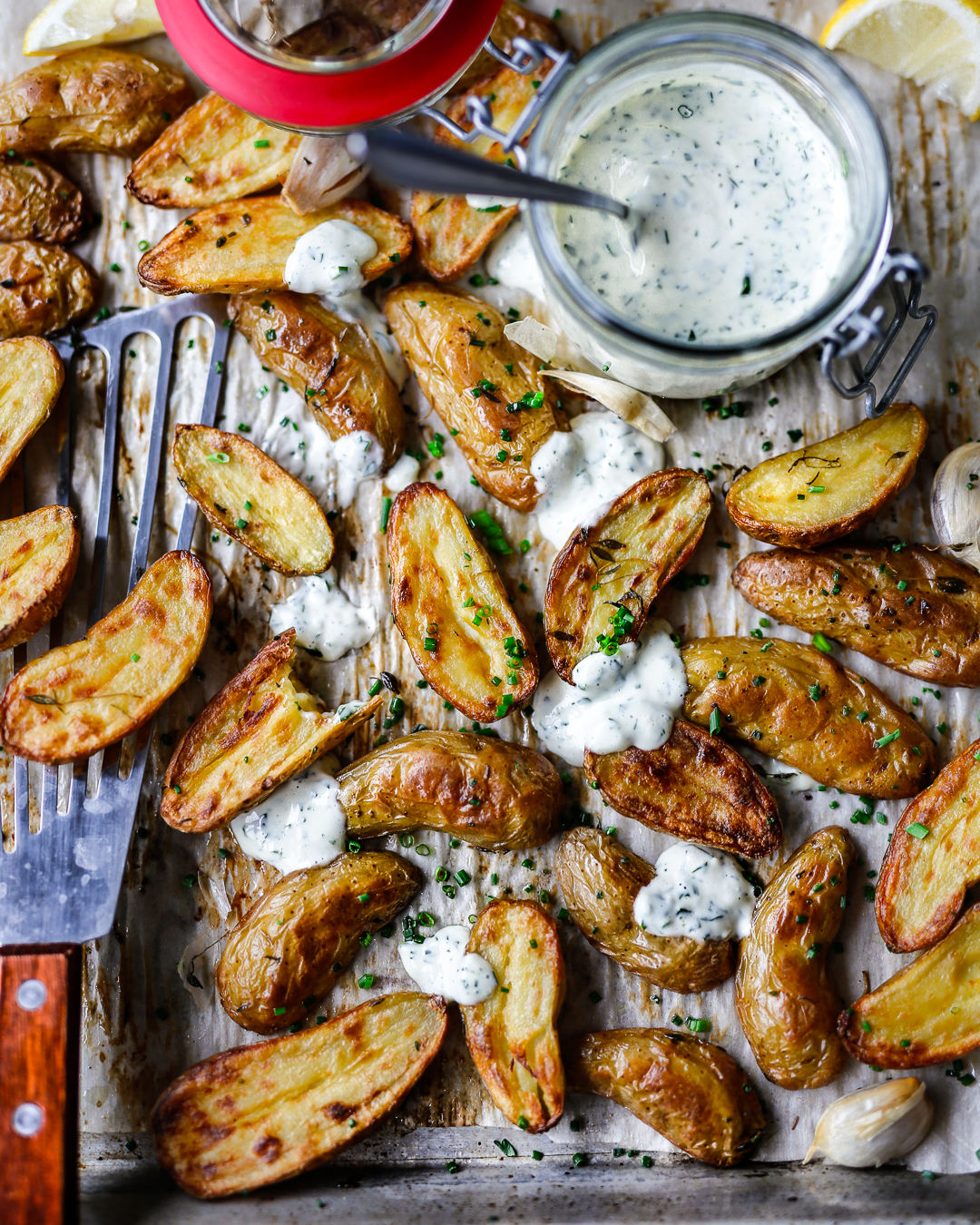 garlic thyme roast fingerling potatoes
