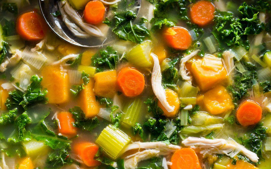 Leftover Turkey, Sweet Potato and Kale Soup – Whole30
