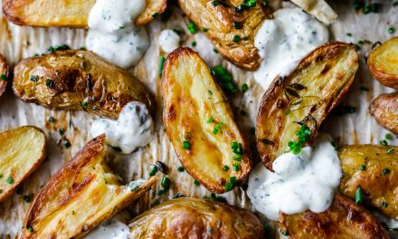 Garlic and Thyme Roast Fingerling Potatoes