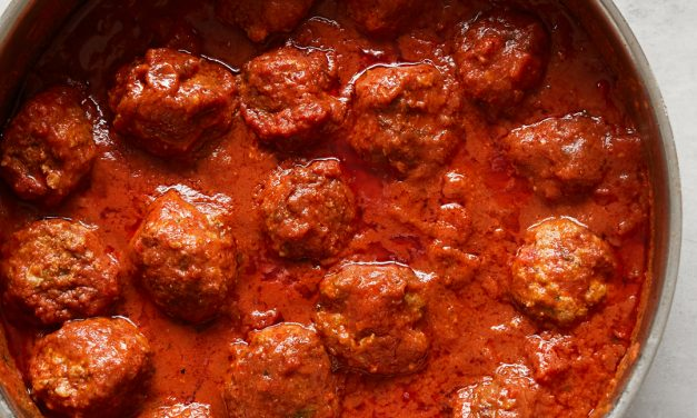 Whole30 Meatballs in Red Sauce – Paleo, Gluten-Free