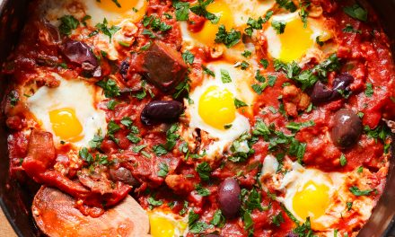 Spicy Eggplant, Sausage and Pepper Shakshuka – Whole30, Paleo